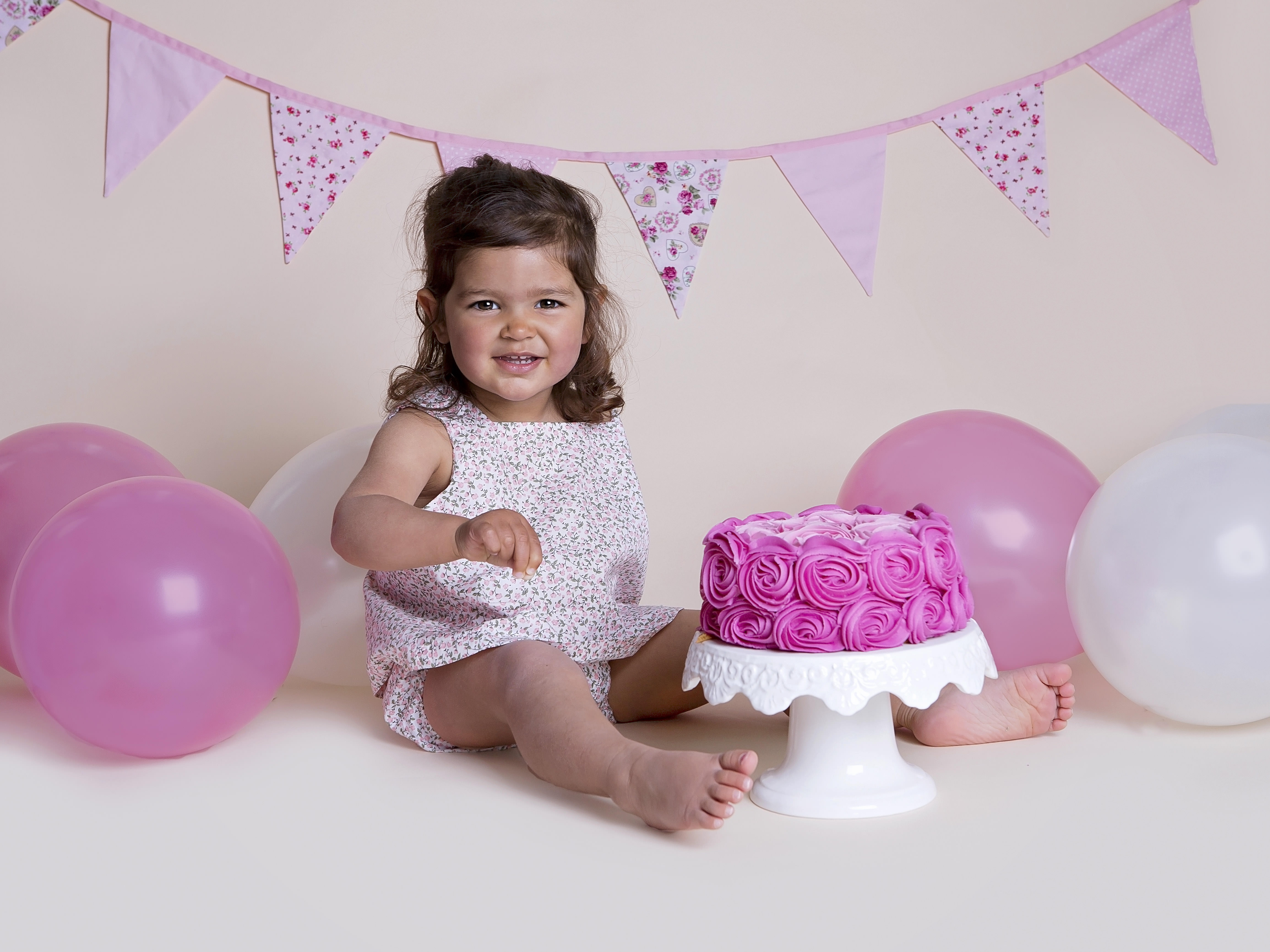 cake smash photos winchester hampshire