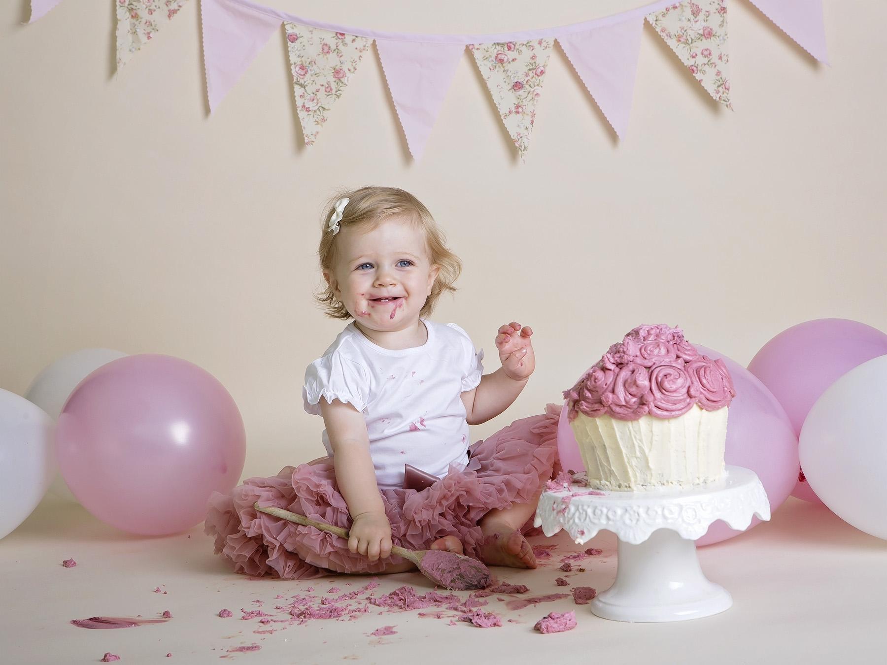 Cake smash photographer Hampshire