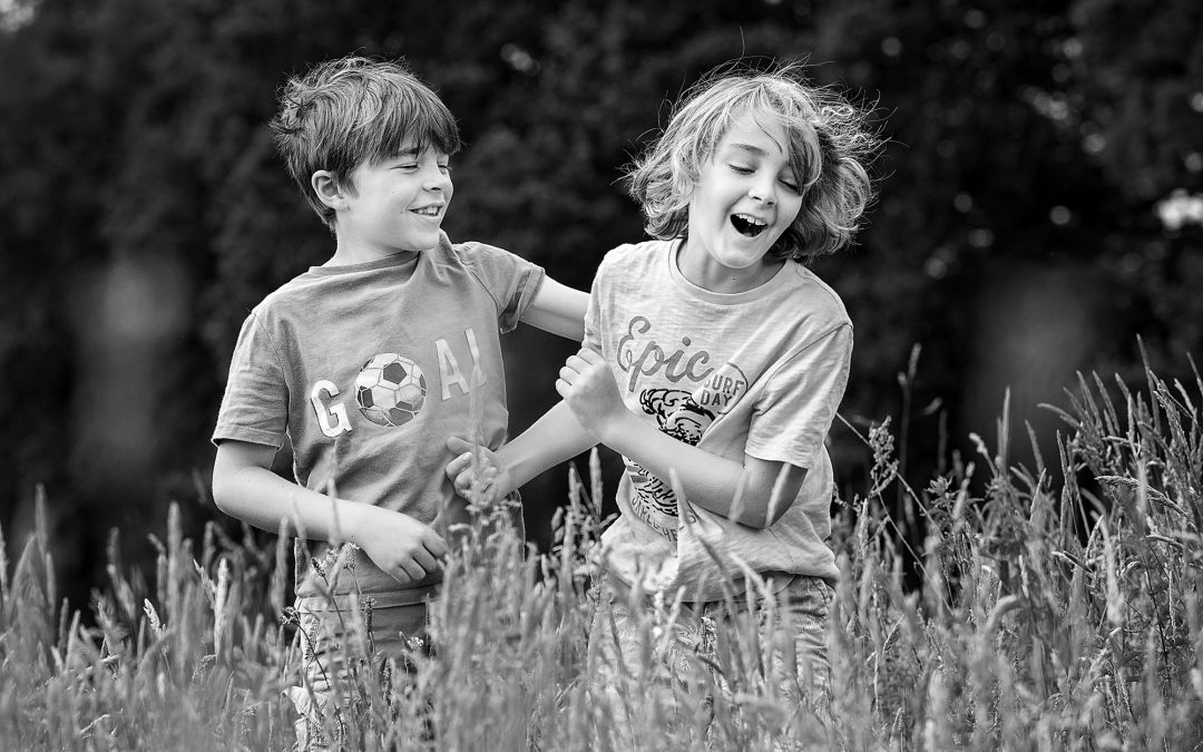 Boys will be boys – family photographer in Hampshire
