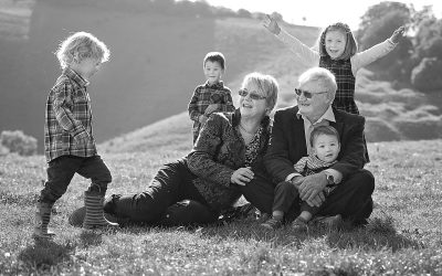 Extended family photo sessions – getting everyone in the picture…